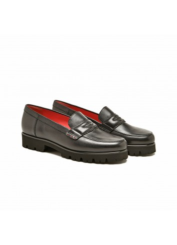 Penny loafer in smooth leather - Black