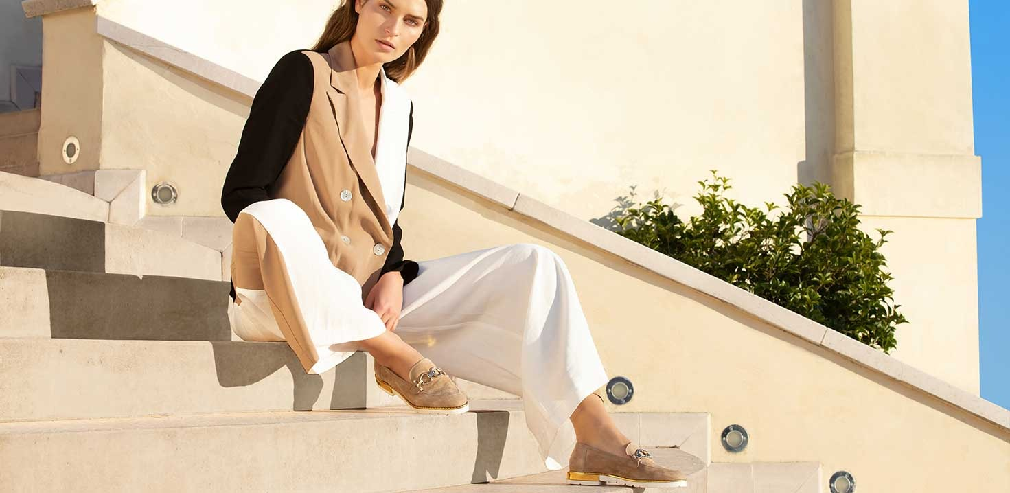 Moccasin, a classic chic item that you need in your wardrobe